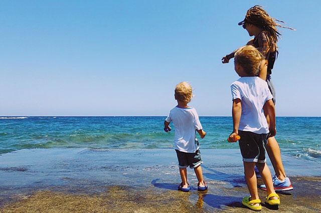 Сегодня Ольга воспитывает двоих сыновей – Ежи и Мирона. И ждёт третьего.