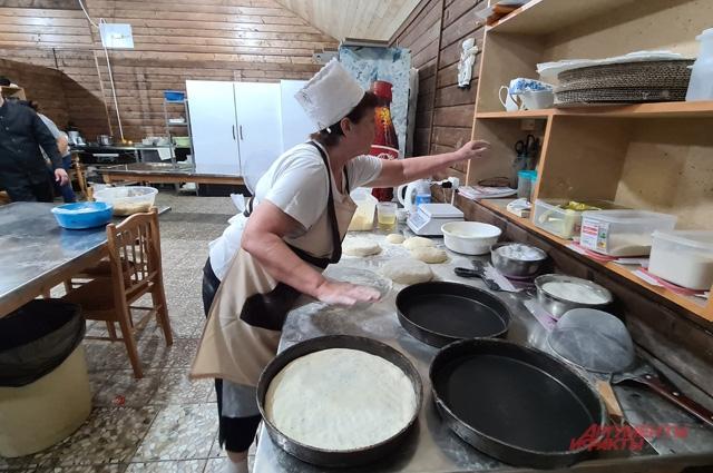 Приготовление знаменитых осетинских пирогов.