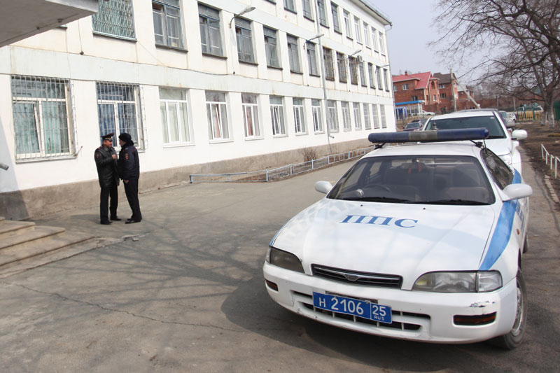 Школа, где произошло убийство.