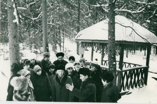 Сергей Малин не раз водил экскурсии к месту, где они, будучи мальчишками, нашли летчика