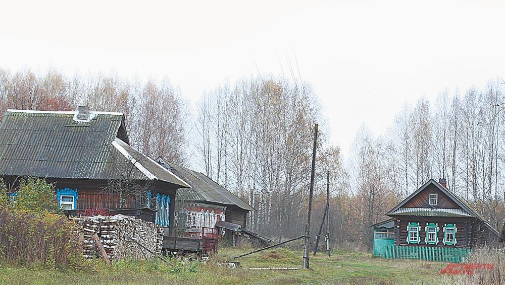 Осенью и зимой в Простоквашино живут только в 5 домах. Остальные пустуют.