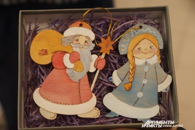 В синей ли шубе или в красной, Деду Морозу всегда рады в каждом доме.