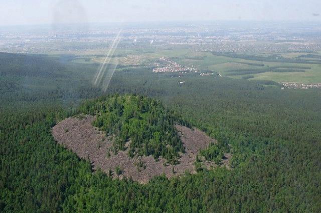 Чёрная сопка - застывший вулкан в Красноярске.