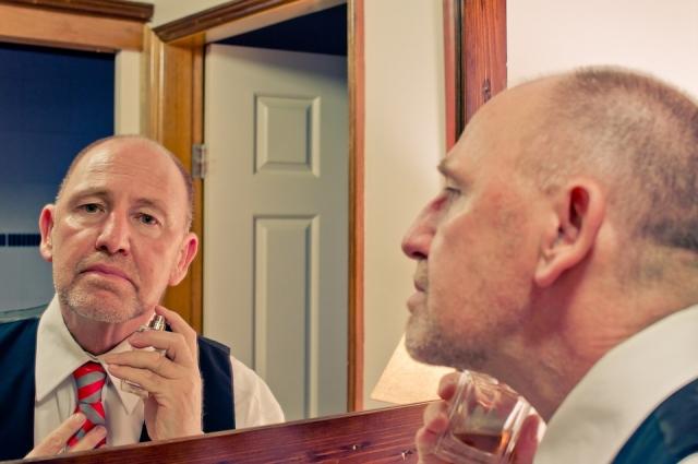 Мужчины страдают больше от выпадения волос.