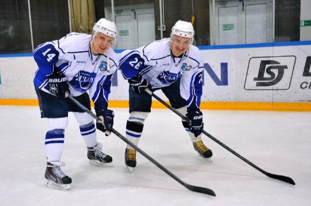 В 2013 году хоккейный клуб «Рязань» занимал последнее, 27-е место в чемпионате ВХЛ, а футбольный клуб - 12-е место из 16 команд. Сейчас обе команды занимают 2-е место в соревнованиях своих лиг.