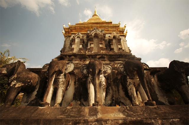 Самый старый храм Чиангмай, Ват Чианг Ман. Таиланд