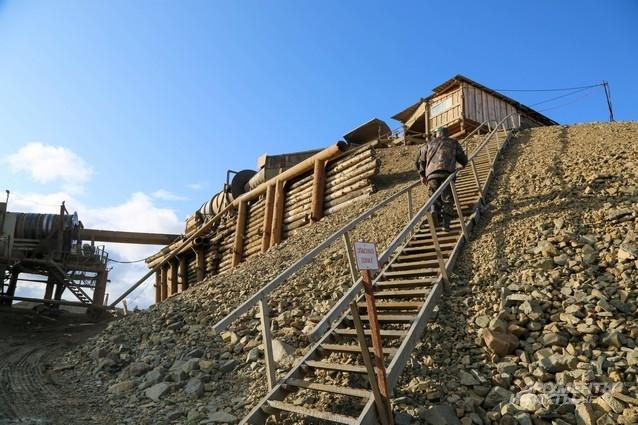 Некоторые строения на участках напоминают Клондайк