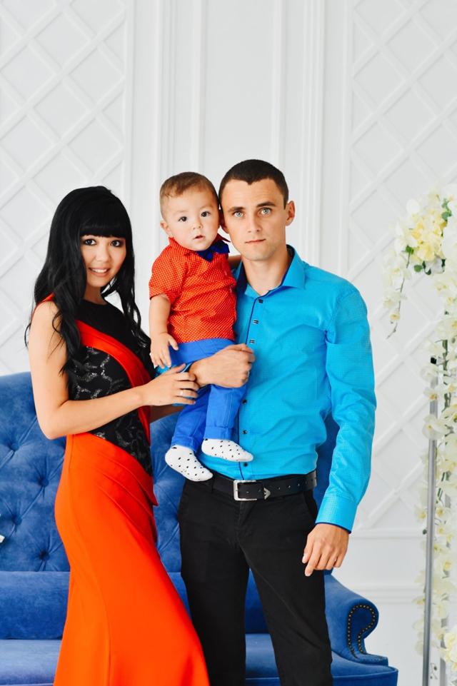 Влад Чикунов с семьёй.