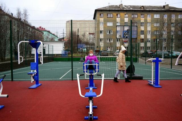 Новая спортивная площадка быстро завоевала популярность.