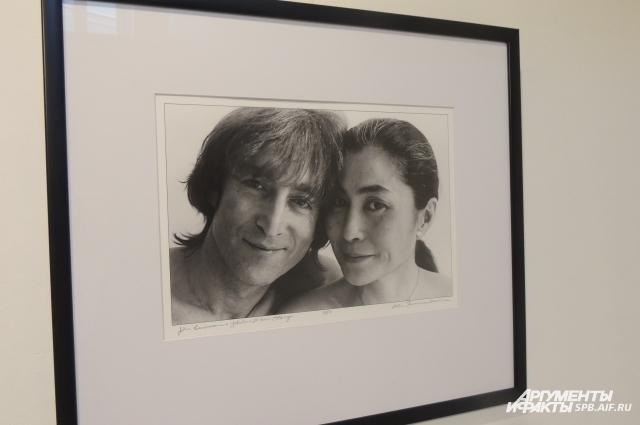 Фотографии сделаны в последние пять лет жизни Леннона.
