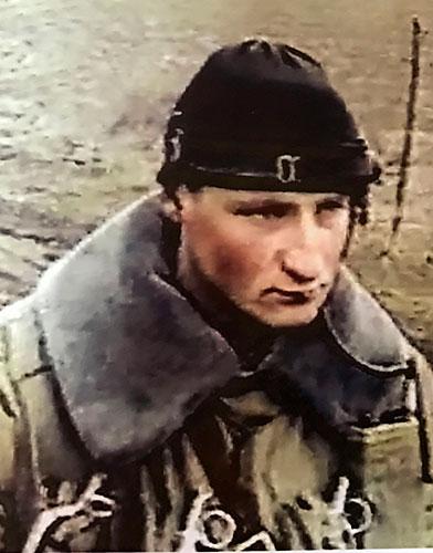 19-летний Алексей во время службы в Чечне.