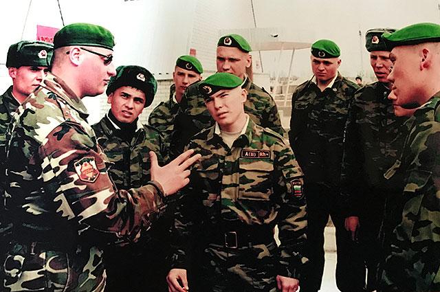 Алексей Климов с молодыми бойцами.
