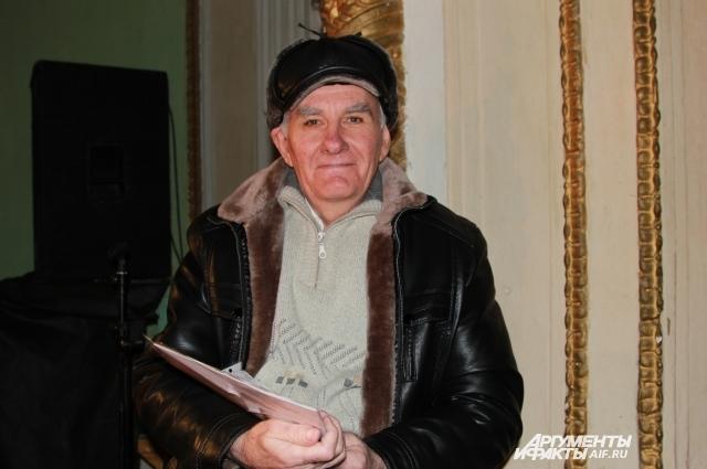 Сергей Иванович уже 12 лет в театре.