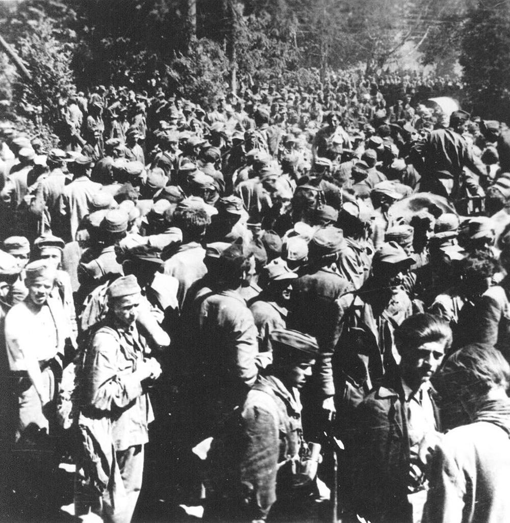 Пленные усташи возле Блайбурга. Май 1945.