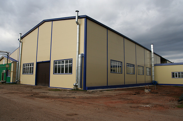 Предприятие выкупило брошенную базу и построило новые корпуса.
