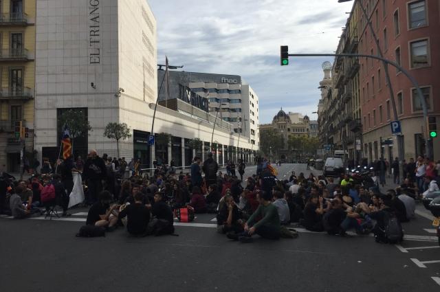 В Барселоне начались беспорядки.