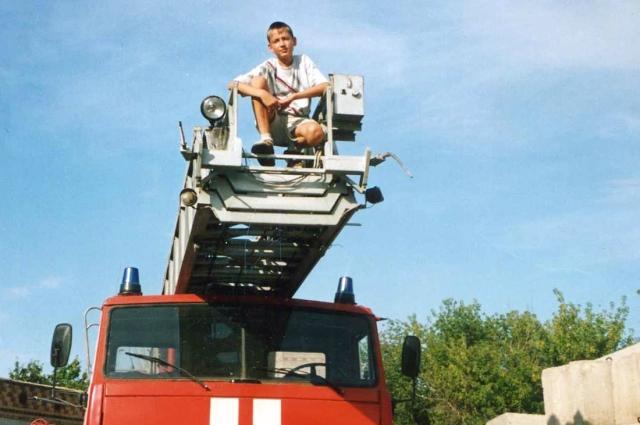 Когда отец - пожарный, твоим фотографиям одноклассники.