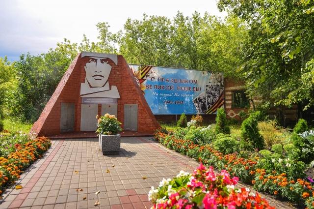 К юбилею Великой Победы Дьячков обустроил сквер Воинской славы.