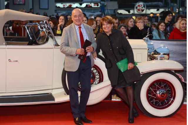 Телеведущий Владимир Познер с женой Надеждой Соловьёвой