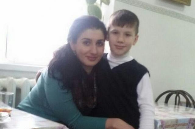 В январе этого года Рустам разрешил бывшей жене увидеться с сыном