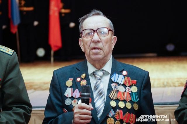 Якова Курикшу призвали в пехоту, когда ему было семнадцать.