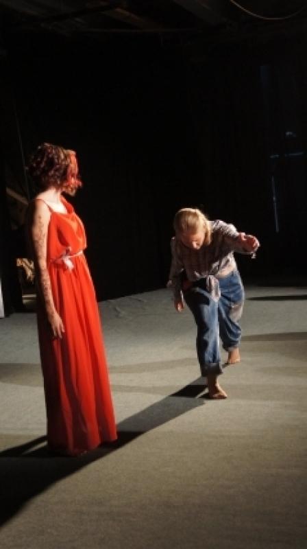 Авторы постановки дерзнули вплести в историю жизни дегендарной танцовщицы свои размышления о любви.