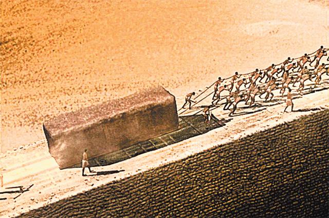 Пирамиды строили не пришельцы, а работящие египетские мужики.