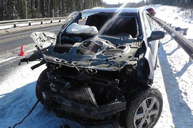Автомобиль виновника смертельного ДТП после аварии.