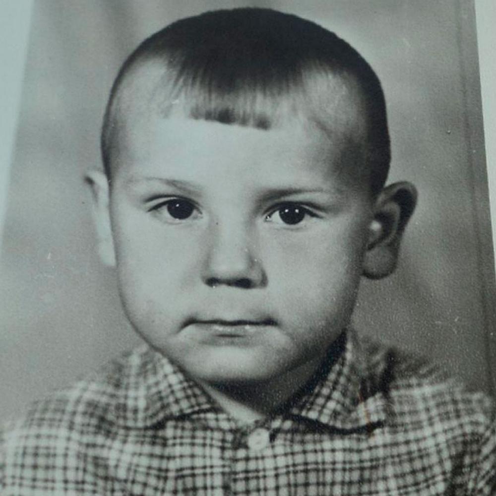 Евгений в детстве
