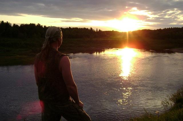 За тем, как Андрей путешествует по лесу, горожане с интересом следят на Ютубе и на его страничке в соцсети.