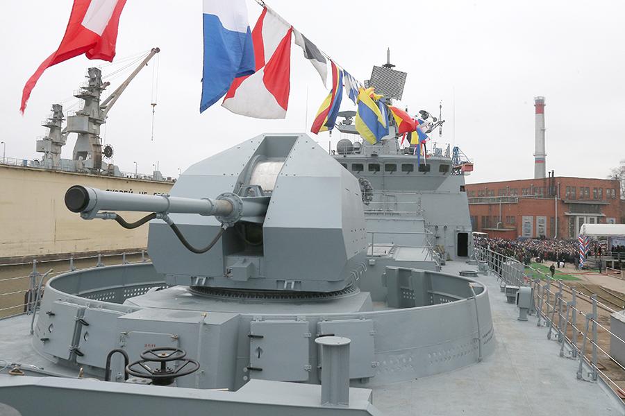 состав вооружения фрегата позволяет уничтожать надводные корабли и подводные лодки противника.