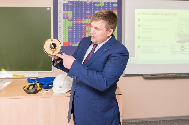 Самой занимательной частью урока стал наглядный мастер-класс о простых правилах безопасного поведения рядом с объектами теплоснабжения