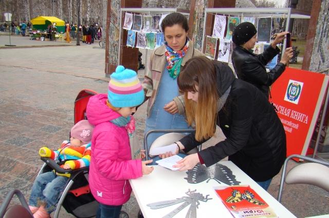 Выпускники Ольги Павловны не теряются, многие выбирают после школы искусствоведческое, филологическое, экологическое направления.