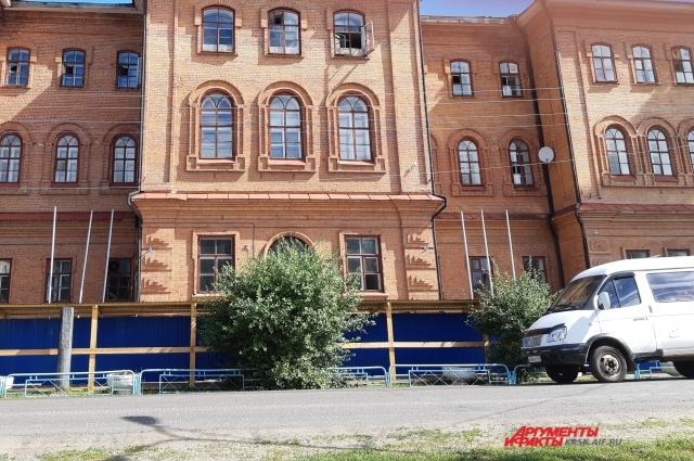 Старейшая школа Енисейска.