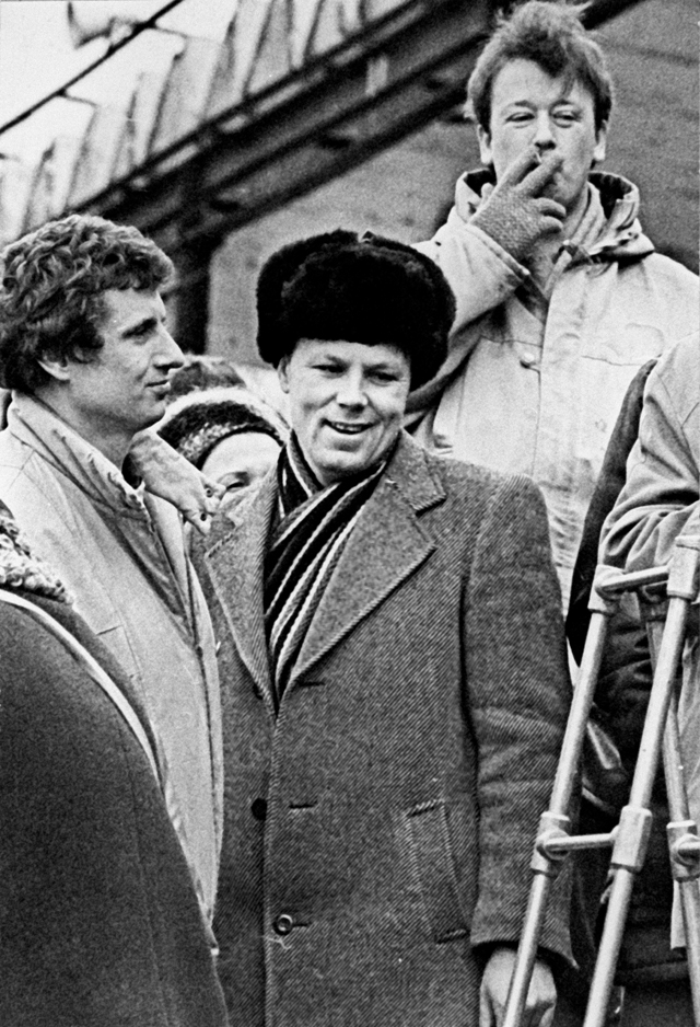 Александр Шмонов в дни предвыборной кампании в Колпино (пригород Ленинграда) весной 1990 года.
