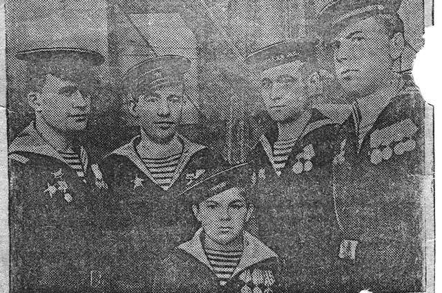 Евгений Гашев вместе с боевыми товарищами даже попал в газету.
