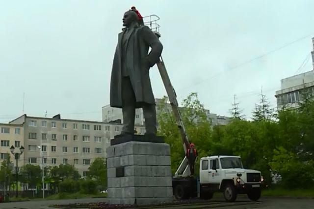 Памятник Ленину в Магадане