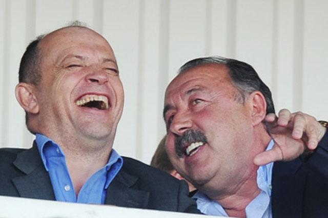 Президент Российской футбольной Премьер-Лиги Сергей Прядкин и президент ФК Алания Валерий Газзаев