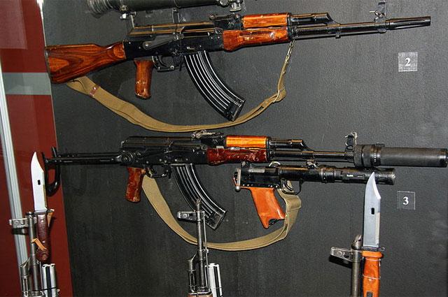 Автоматно-гранатомётный комплекс Тишина на базе АКМ