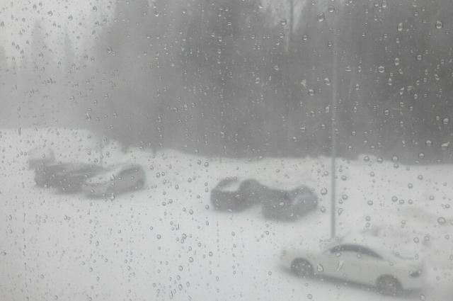 Снежная гроза в Ханты-Мансийске.