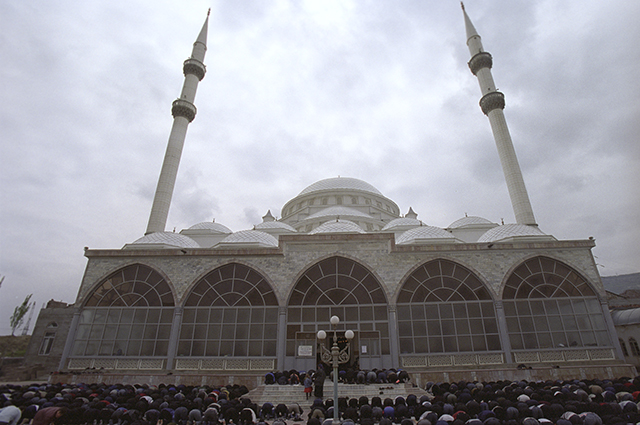 Центральная мечеть Махачкалы.