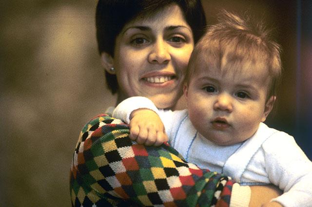 Ирина Роднина с сыном Александром, 1979 г.