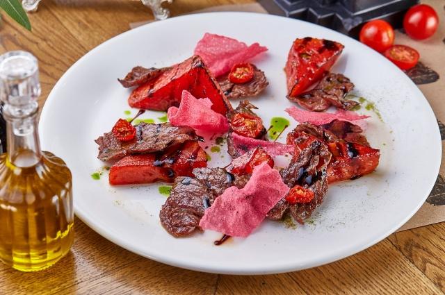 Жареный арбуз с тархуном и говядиной