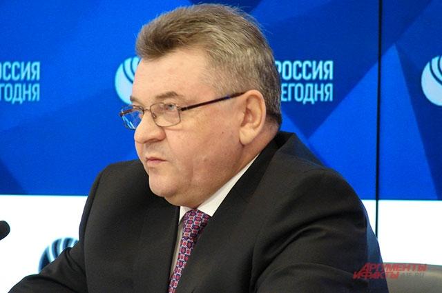 Михаил Шишов.