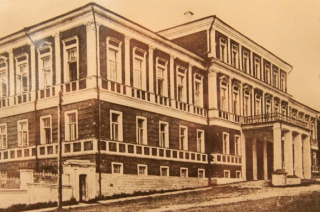 Так Дом дворянского собрания выглядел в начале XX века. начале