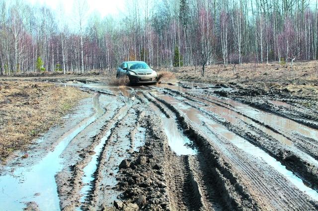 Дорога в 100 км до поселка Чиндат выгляденла так.