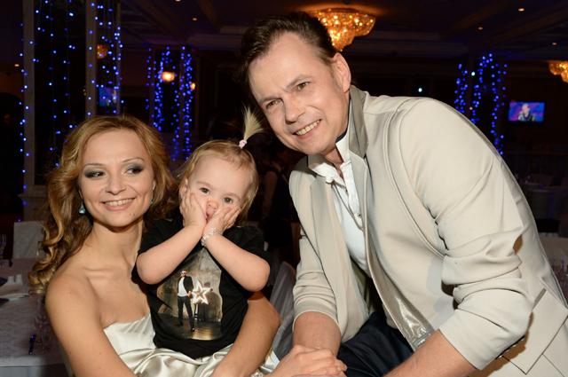 Владимир Левкин с семьей.
