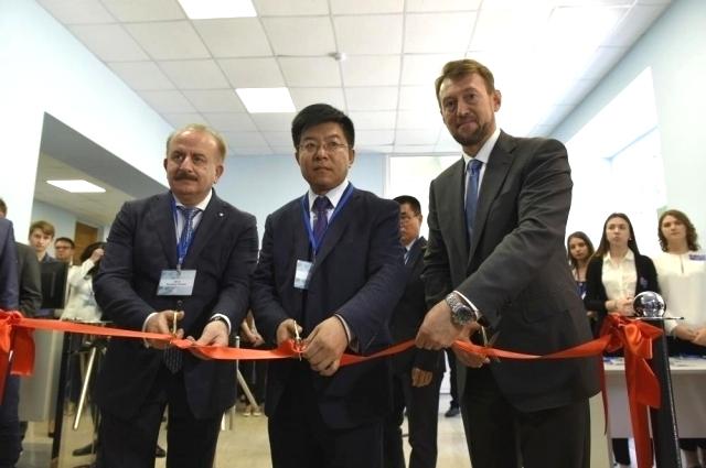 Открытие Центра трансфера технологий ДГТУ  с участием китайских учёных.