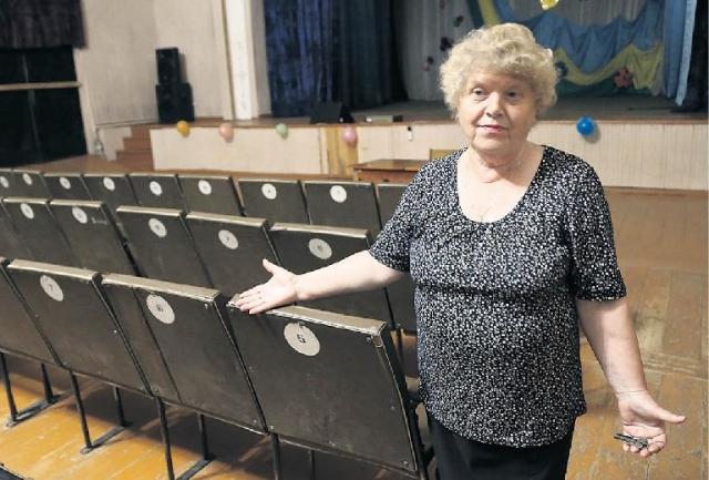 В этот поселковый ДК, по мнению Н. Козловой, Солженицын мог водить 21-летнюю Наталью.