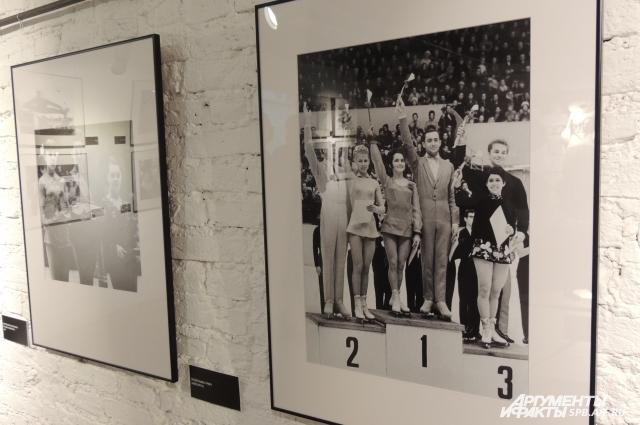 На выставке можно узнать об истории знаменитых фигуристов Советского союза и современной России.